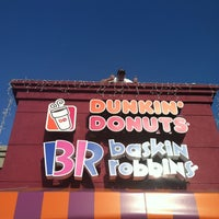 Photo taken at Dunkin' Donuts by Janeth G. on 12/4/2012