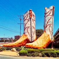 Photo taken at World's Largest Cowboy Boots by Craig F. on 9/17/2015
