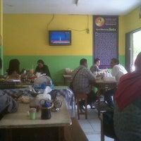 Photo taken at Soto Kudus Kauman by Farry A. on 9/20/2012