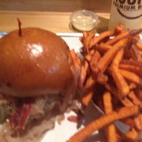 Photo taken at Rounds Premium Burgers by Fabrizio M. on 10/22/2012