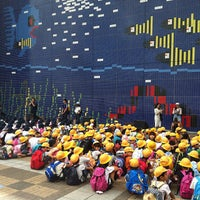 Photo taken at Osaka Aquarium Kaiyukan by Porachon S. on 10/11/2013