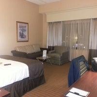 Foto tomada en DoubleTree by Hilton Hotel Chicago O'Hare Airport - Rosemont por Aemis O. el 1/19/2013