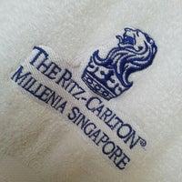 Photo taken at The Ritz-Carlton Millenia Singapore by Chong C. on 10/20/2012