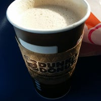 Photo taken at Dunkin' Donuts by Tinkerella66 T. on 11/9/2014