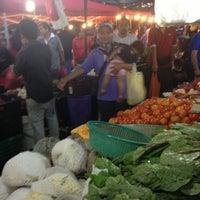 Photo taken at Pasar Malam Bandar Baru Bangi by Endi G. on 11/13/2012