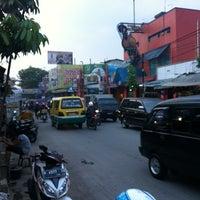 Photo taken at Jalan Cibaduyut by Kahardani X. on 9/29/2012