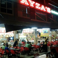 Photo taken at Restoran Nasi Kandar Ayza's by sha i. on 1/16/2013