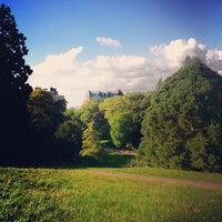 Foto tirada no(a) Parc des Buttes-Chaumont por Nicola em 10/1/2012
