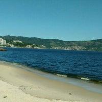 Photo taken at Praia das Flexas by Gil C. on 3/18/2016