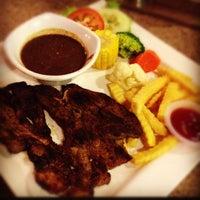 Photo taken at Restoran Singgah Selalu by Muhd F. on 10/15/2012