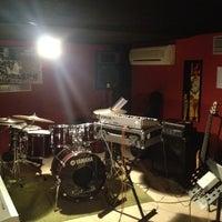 Photo taken at Yamaha Muzik Okulu by Semih B. on 4/20/2013
