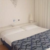Foto scattata a Hotel Luxor Rimini da Alessia B. il 9/21/2013