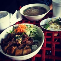 Photo taken at Dua Vietnamese Noodle Soup by Shaun F. on 10/17/2011