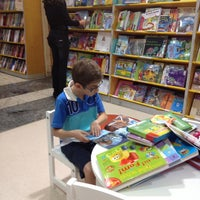 Photo taken at Livraria Saraiva by Stefan Klaus A. on 6/30/2012