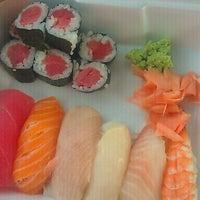 Photo taken at Sakura Japanese Restaurant by Alex E. on 2/25/2011