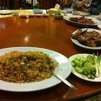 Photo taken at Chandrphen Restaurant by Sittichock N. on 8/19/2011