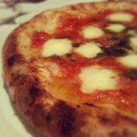 Photo taken at Pizzaria Speranza by Bronza on 9/13/2012