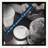 Photo taken at Starbucks by 💕i /@yumyum.in.the.tumtum on 10/7/2012