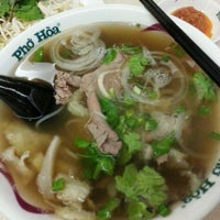Photo taken at Pho Hoa Noodle Soup by David Y. on 12/14/2012