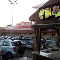 Photo taken at Chatos by Santiago V. on 12/3/2014