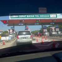 Photo taken at Gerbang Tol Parangloe by Sudarsono on 7/20/2015