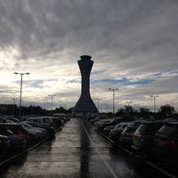 Photo taken at Edinburgh Airport (EDI) by Shailesh on 10/20/2012