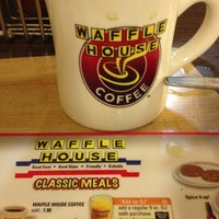 Photo taken at Waffle House by William T. on 11/23/2012