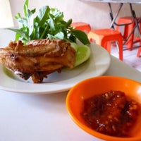 Photo taken at Ayam Goreng Presto by Haritso on 1/18/2015