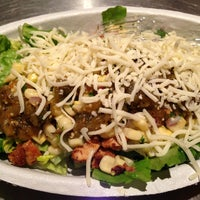 Photo taken at Chipotle Mexican Grill by Sasithorn M. on 3/20/2013