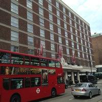 Photo taken at Hyatt Regency London - The Churchill by Alejito on 4/14/2013