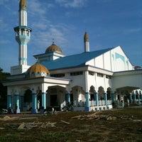 Photo taken at Bukit Mewah Mosque by Ruhaizi H. on 10/26/2012