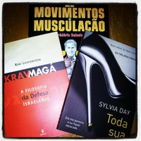 Photo taken at Livrarias Curitiba by Rose Carina G. on 12/30/2012