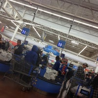Photo taken at Walmart Supercenter by Florentino on 10/13/2012