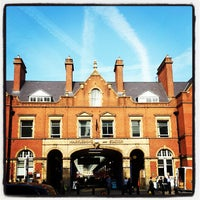 Photo taken at London Marylebone Railway Station (MYB) by Joao Carlos V. on 9/24/2013
