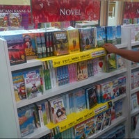 Photo taken at MPH Bookstore by Nor Azhar A. on 9/22/2012