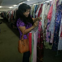 Photo taken at Center Of Hope Super Thrift Store by Melaarme A. on 5/8/2013