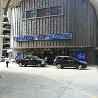 Foto diambil di House of Blues oleh Tom M. pada 9/27/2012