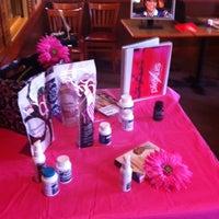 Photo taken at Pizza Hut by Skipper J. on 3/26/2014
