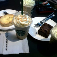 Photo taken at Starbucks by kusmiati p. on 3/21/2013