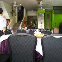 Photo taken at Restoran Kayu Manis by Icak M. on 10/21/2012