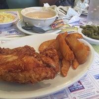 Photo taken at Southern Kitchen Restaurant by Stefanie H. on 5/9/2015