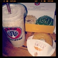 Photo taken at J.Co Donuts & Coffee by Peter P. on 7/12/2013