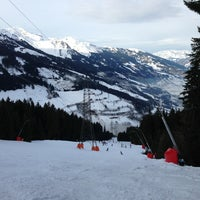 Photo taken at Skigebiet Schlossalm - Angertal / Ski amadé by Mark K. on 12/23/2012