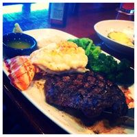 Photo taken at Red Lobster by Maryah on 4/12/2013