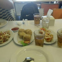 Photo taken at D'Cost Seafood by rahma m. on 7/20/2015