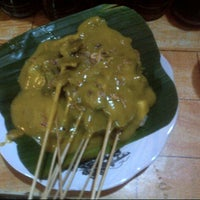 Photo taken at Sate Padang Sidi by ibnu s. on 12/12/2012