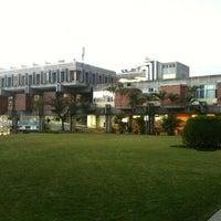 Photo taken at Universidad Rafael Landívar by Javier G. on 1/18/2013