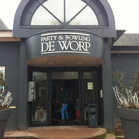 Photo taken at Buitensociëteit & Bowling De Worp Deventer by Jeroen R. on 3/3/2013
