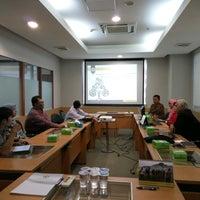 Photo taken at Badan Pemeriksa Keuangan (BPK) RI by Guntur B. on 9/27/2016