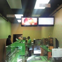 Photo taken at Juice Nation by Annescia D. on 3/12/2012